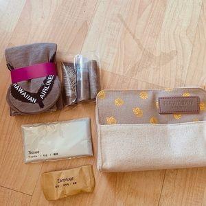 Handbags - HAWAIIAN AIRLINES TRAVEL SET